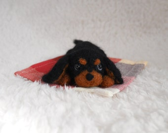 READY TO SHIP/ Needle Felted / Cavalier King Charles Spaniel / mini black and tan 01