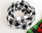 Flannel baby infinity scarf, Black and white checkered toddler scarf bib, Buffalo plaid scarf for baby, Teething baby scarf, Toddler cowl