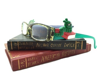 2.50 Strength Green Reading Glasses for Women with Bookworm Decoration