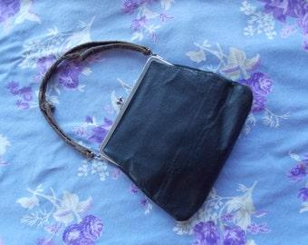VINTAGE LISTING: Black Vintage Faux Leather Purse Handbag Purse Bag Clutch Handle