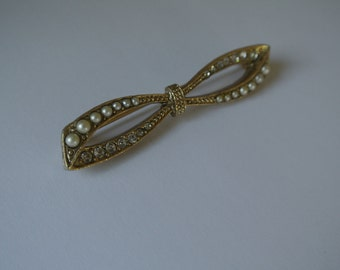 Bow Brooch Rhinestones and Pearls Bridal Pin Bouquet Pin Hat Pin Gold