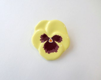 Yellow Pansy Pin Vintage Avon Flower Brooch Pin 1981 Pansy Brooch Pin Yellow Flower Pin Ceramic Yellow Avon Pansy Flower Brooch Pin