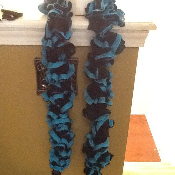 Ruffle scarf Boogie Blue and black