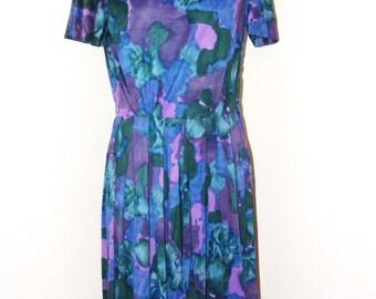 Vintage 1960s Floral print Secretary dress in size M