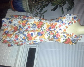 1970s Flirty Cotton Floral Summer Dress Size M