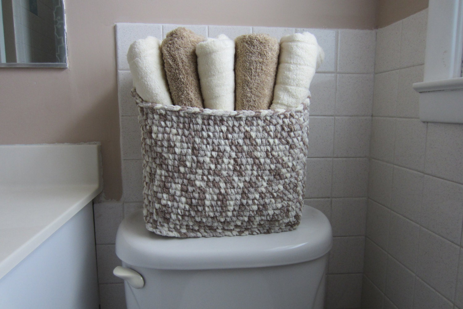 towel storage basket large bin for bathroom toiletries. Black Bedroom Furniture Sets. Home Design Ideas