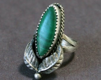 Vintage Native American Silver Ring with Green Agate  #LV19