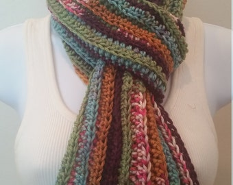 Multicolored, ribbed scarf