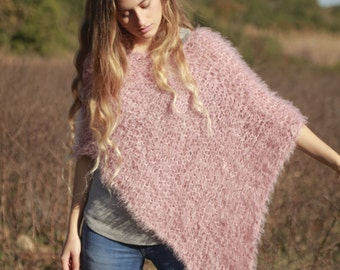 Dusty rose pink hand knit poncho, faux fur pink handmade wrap, women's loose knit dusty pink shawl, dusty rose cape, sweater wrap