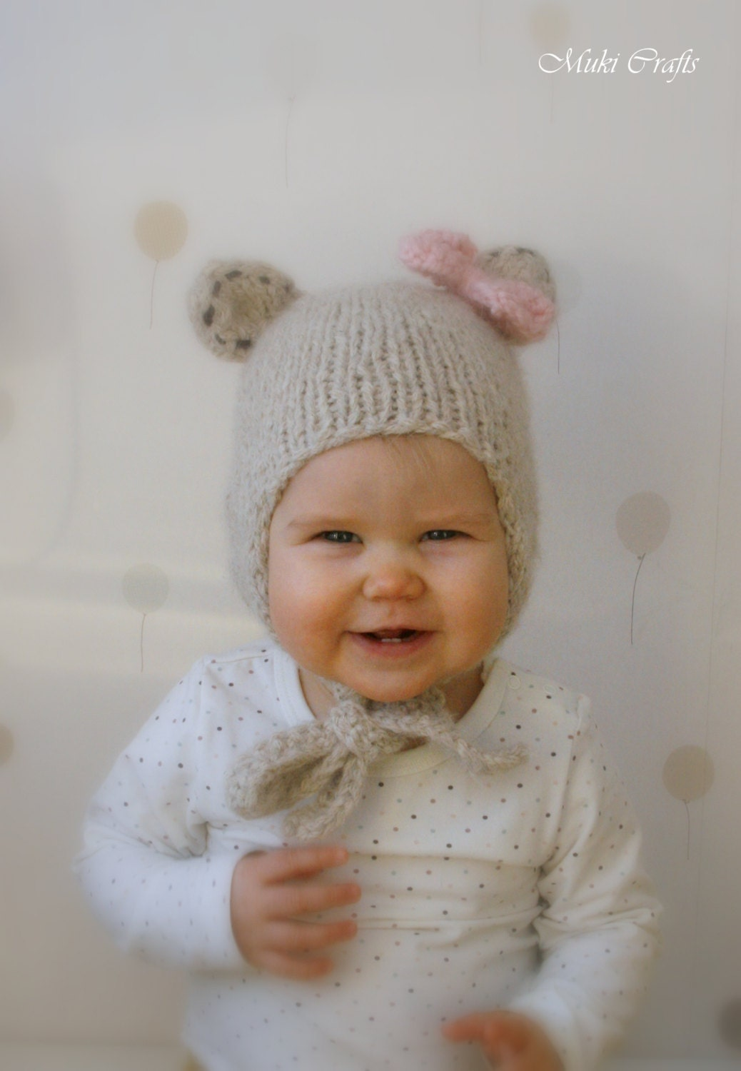 Knitting pattern bear hat with earflaps and a bow nalle baby zoom bankloansurffo Gallery