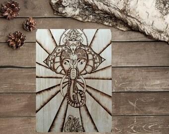Elephant -  Wall Decor - Pyrography - Rustic - Wood burning - Chakra Art - Pyrografie kunst - Hout branden - TimberleeEU