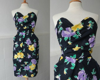 Black 80s Vintage Corsage Dress With Yellow And Purple Flowers // 100 % Cotton // Pockets In The Sides // Made In France
