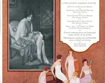Vintage Vogue ads for fashion & perfumes / Munsingwear Hosiery, stockings / 9x11.5 - PD002109