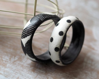 Black White Jewelry, Polka Dot Jewelry, Stackable Bracelet Set, Modern Bangle, Black and White Bangles, Polka Dot Bracelet, Set of 2 Bangles