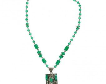 Vintage Art Deco Czech chrysoprase glass and silver metal lavaliere necklace. c.1925. nlad919(e)