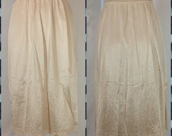 Warner's Cream Half Slip in Midi Length with Lace Trimmed Hem and Side Slit - Size Large