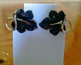 Black Enameled Leaf Shaped Vintage Clip on Earrings