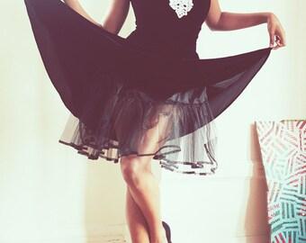 Stunning Vintage 80s Black Velvet Off-the-Shoulder Formal Party Prom Dress XS-S