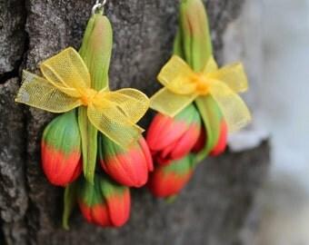 Tulips jewelry, polymer clay flower drop Tulips earrings, spring handmade earrings for her