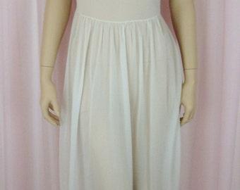 Vanity Fair - NWT 40's White Night Gown - Softest Sheer Nylon - Pleat Collar - 34