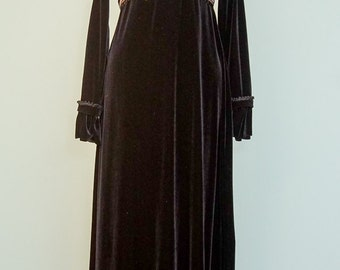 Regency gown with empire waist