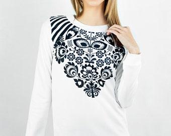 Fancy Ornament Sweatshirt Size XXS