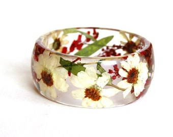 Resin Bracelet. Red bracelet. White bracelet. Real flower jewelry. Resin bangle bracelet. Real flower bangle. Real flower bracelet.