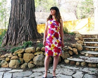 1960's shift 60s dress Bright  pink red yellow and purple floral M