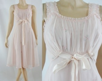 Vintage Fifties Nightgown - 1950s Pink Night Gown - 50s Negligee Lingerie - XS Vintage Peignoir -