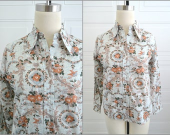1970s Floral and Bird Print Button Front Shirt