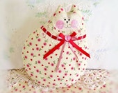 Cat Pillow Doll, Cloth Doll 7 inch, Creamy Yellow with Hearts, Prim Soft Sculpture Handmade CharlotteStyle Decorative Folk Art
