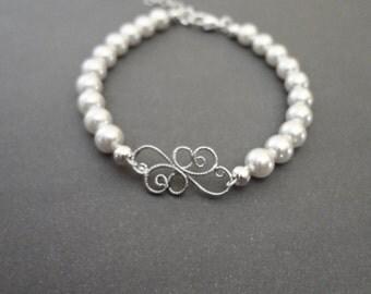 Pearl bracelet - Brides bracelet, Classic, Feminine, Wedding bracelet, Swarovski pearl bracelet, Wedding jewelry, Brides bracelet, KAY
