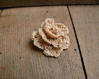 Crochet cotton beige rose, crochet flowers brooch pin, Birthday gift, cotton flower brooch pin, crochet accessory, rosette flower, corsage