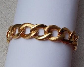 Wide Gold Finish Napier Chain Bracelet  2004