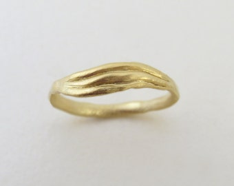 Wave wedding band, sculptured ring, unique wedding ring, 14k gold wedding band, wave gold ring, delicate ring, handmade ring, 14k gold ring