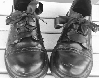 Black Leather Perforated Chunky / Wedged Oxford Shoes by Dr. Marten Ladies Size US 4 / UK Size  2