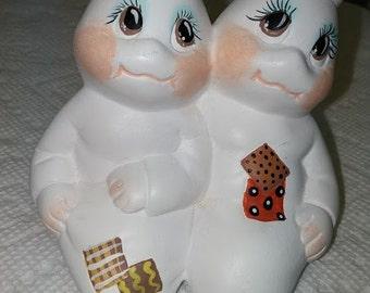 Shelf Sitter Ceramic Ghost Couple