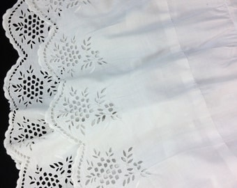 """AUTHENTIC 1890'S Victorian Petticoat / Eyelet Lace Trim / Mother of Pearl Button Closure / 31"""" Inch Waist"""