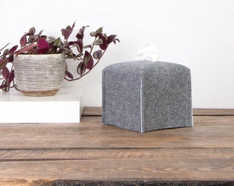 Cube tissue box cover, various color, felt Kleenex box cover, housewarming gift, fabric box cover, bathroom lining