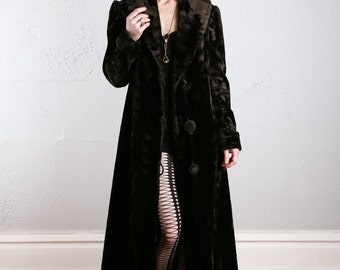 SALE - Antique Velvet Coat . Victorian Jacket . Early 1900s DUSTER