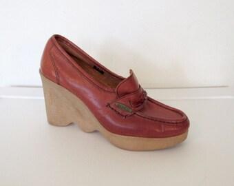 Vintage 1970s Disco Platform Shoes / Famolare Hi-Up Brown Leather Platform Loafers / Rubber Wavy Sole Wedges