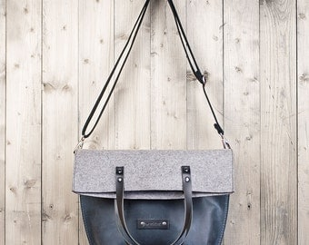 Charakterstück Crossbody bag, blue leather and felt, shoulder bag, leather bag