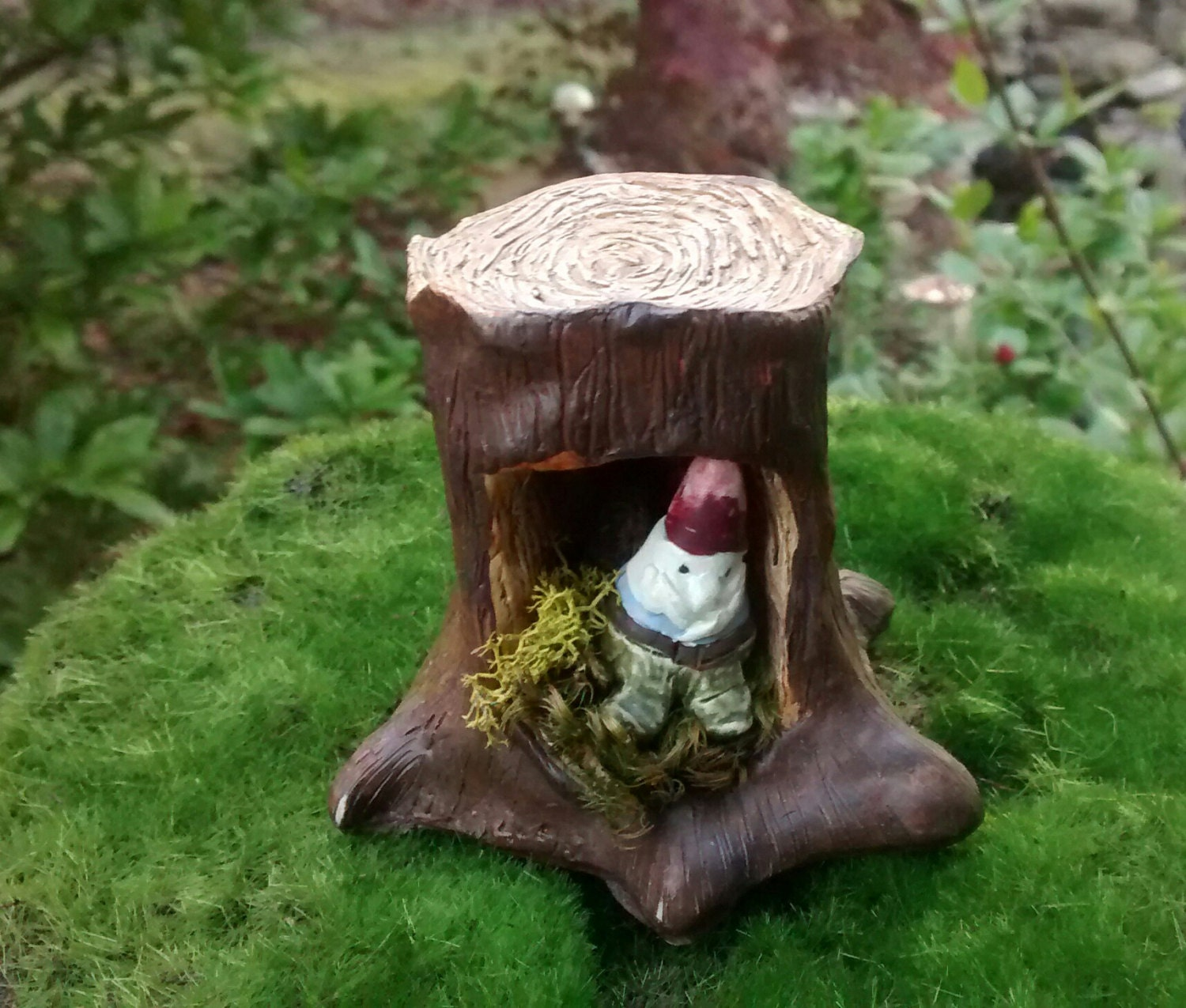 Gnome In A Tree Stump Cave Fairy Pixie Enchanted Forest