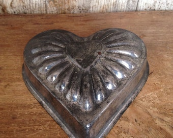 Vintage French Valetine Heart Moule