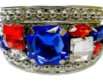 New Silver Tone Embossed Metal Cuff Bangle With Patriotic Faux Stone Decorations