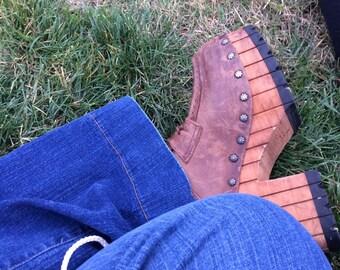 Rare Vintage 1970s Studded Leather Wooden Platform Clogs 7 / 8