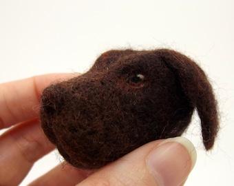 Labrador retriever brooch | Badge | Pin | Needlefelt dog | Chocolate lab | Pet portrait | Felt animal | Dog jewellery | Gift for dog lover