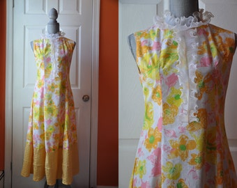CLEARANCE SALE Vintage 1970s dress | bright floral 70s dress • Daffodil dress