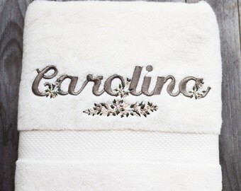 Pair of towels with embroidered name