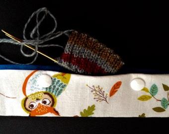 Owl double-pin/magic loop knitting needle holder
